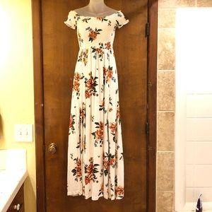 Gorgeous OTS white floral maxi dress. NWT. Small.